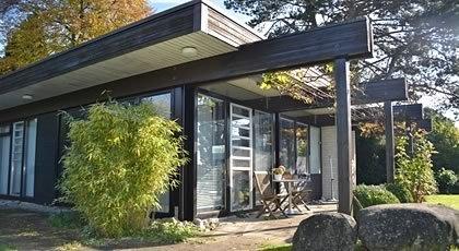 bungalow am see ferienhaus in hagnau am bodensee. Black Bedroom Furniture Sets. Home Design Ideas